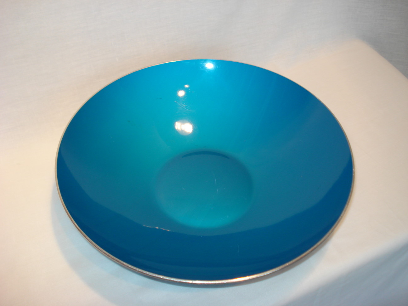 Vintage Aluminum Bowl in Vibrant Blue