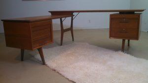 Alma Skulptura desk refurbished by Erik G. Warner